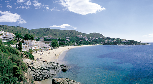 Photo of Platja de l'Almadrava in Roses